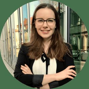 """""""Bei cogita kannst du dir ein neuesfreundschaftliches Netzwerkaufbauen und dich gemeinsam weiterentwickeln, sowohl in fachlicher, als auch in persönlicher Hinsicht."""" - Ramona, 23, Mitglied"""