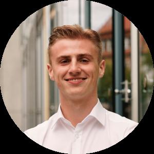 """""""Selbstständiges arbeiten, Verantwortung übernehmen und eine strukturierte Herangehensweise - das nehme ich aus meiner Zeit bei cogita mit."""" - Pascal, 20, Mitglied"""