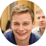 """""""Durch Cogita lernt man schnell neue Freunde kennen und gleichzeitig kann man durch eigene Projekte über den Tellerrand hinausblicken.""""  - Felix, 24, Alumnus"""