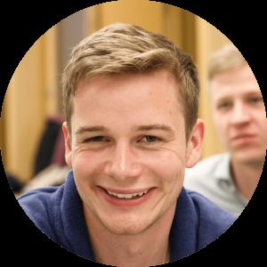 """""""Durch Cogita lernt man schnell neue Freunde kennen und gleichzeitig kann man durch eigene Projekte über den Tellerrand hinausblicken.""""  - Felix, 24, Alumni"""